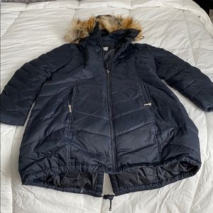 Navy laundry puffer coat with fur hood